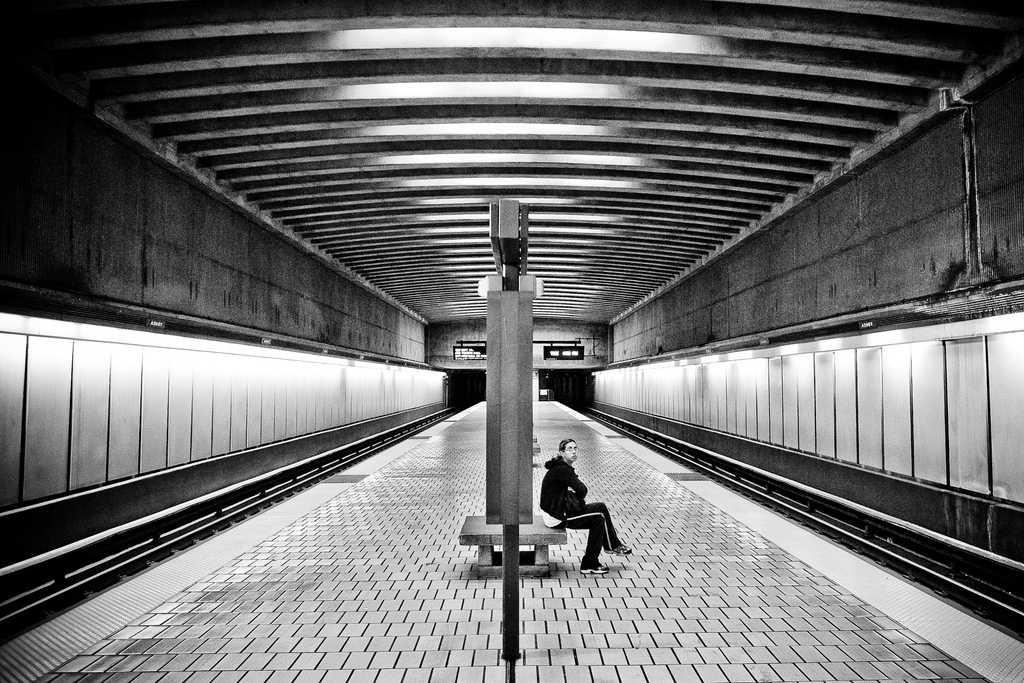 Waiting by Thomas Hawk